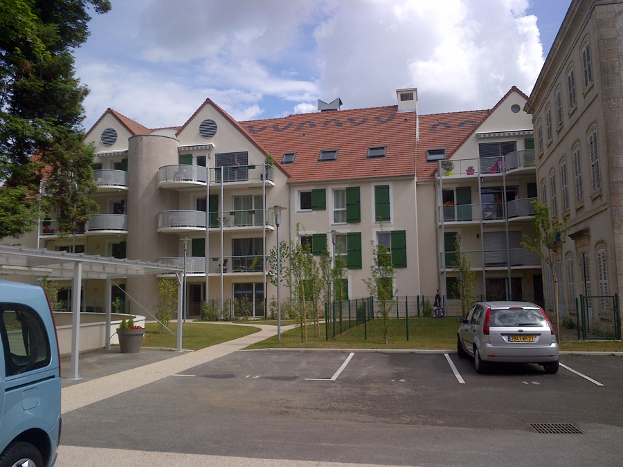 Bourgogne habitat parc poisot 24 logements collectifs for Habitat dijon