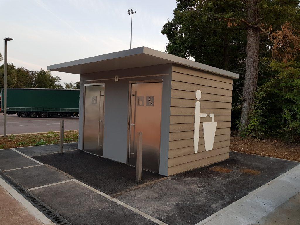bloc sanitaire pr fabriqu public pour parking poids lourds a6 aire de beaune merceuil. Black Bedroom Furniture Sets. Home Design Ideas